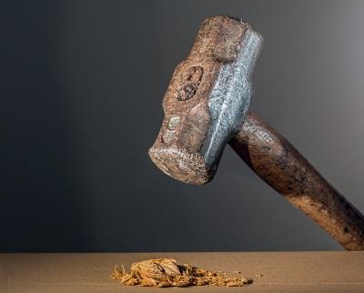 hammer-682767 pixabay